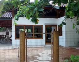 Ubatuba: Praia do Lázaro Condomínio Pedra Verde -10 pessoas - 5 suítes